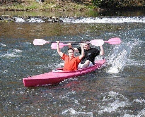 Kayak Biplace Rose sur la Semois a Alle en Ardenne